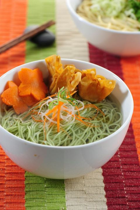 Megah Spinach Wanton Noodle