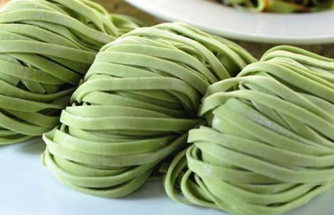Megah Spinach Ban Mian